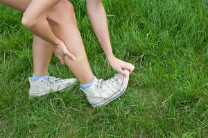 Dehnübungen können helfen, schmerzhafte Wadenkrämpfe zu lösen. Foto: djd/Biolectra Magnesium