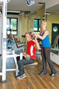 Für die vielfältigen Aufgaben in der Fitnessbranche kann man sich nebenberuflich qualifizieren. Foto: djd/dhfpg-bsa.de